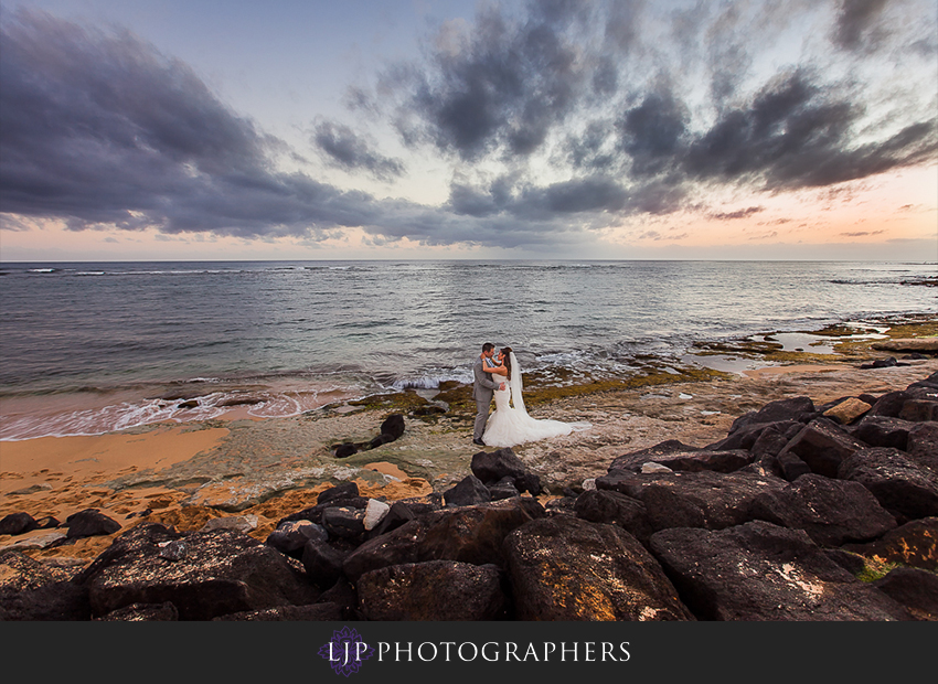 24-kauai-hawaii-destination-wedding-photographer