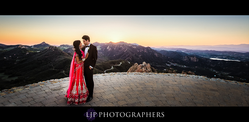 13-malibu-rocky-oaks-estate-wedding-photos