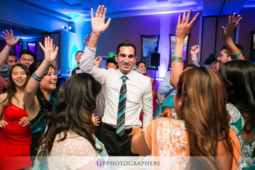 27-newport-beach-marriott-wedding-photographer