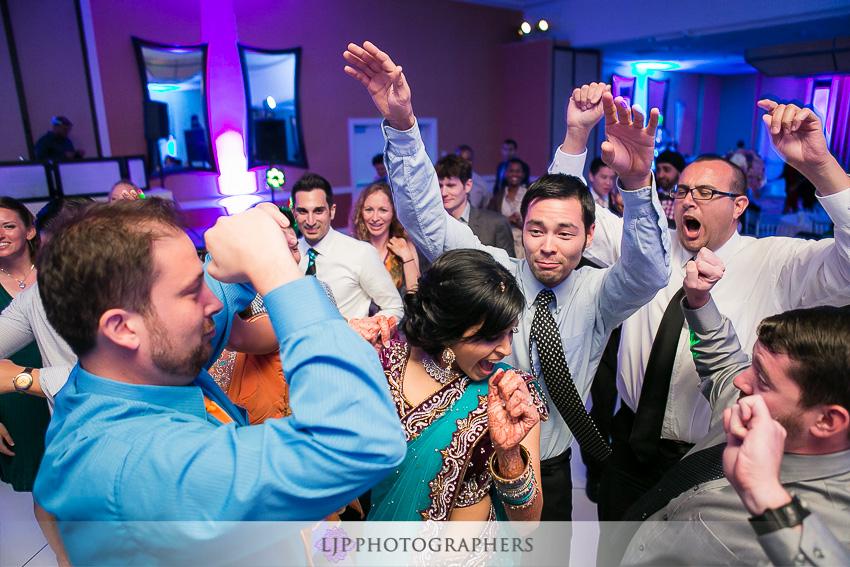 28-newport-beach-marriott-wedding-photographer