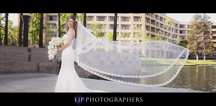 06-the-center-club-costa-mesa-wedding-photos