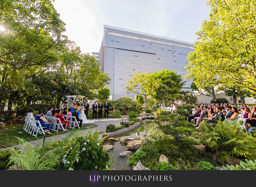 18-kyoto-gardens-doubletree-by-hilton-los-angles-wedding-photographer