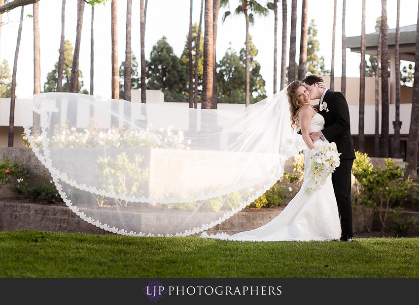 22-the-center-club-costa-mesa-wedding-photos