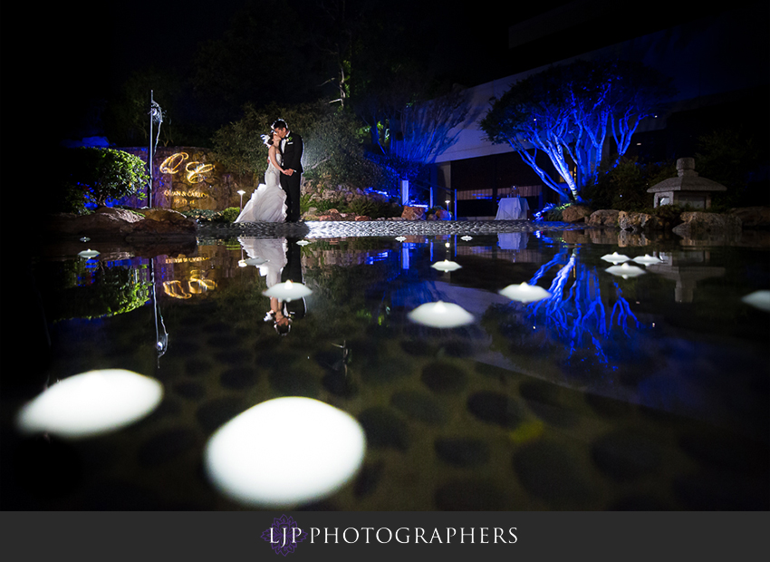 30-kyoto-gardens-doubletree-by-hilton-los-angles-wedding-photographer