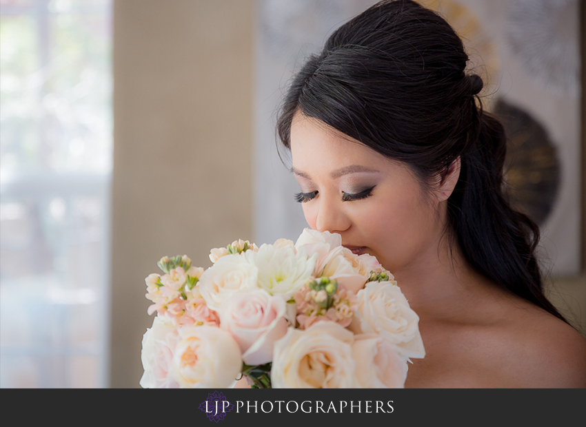 04-avenue-of-the-arts-wyndham-hotel-wedding-photographer