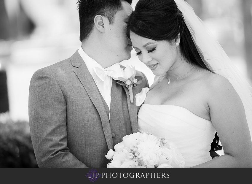 10-avenue-of-the-arts-wyndham-hotel-wedding-photographer