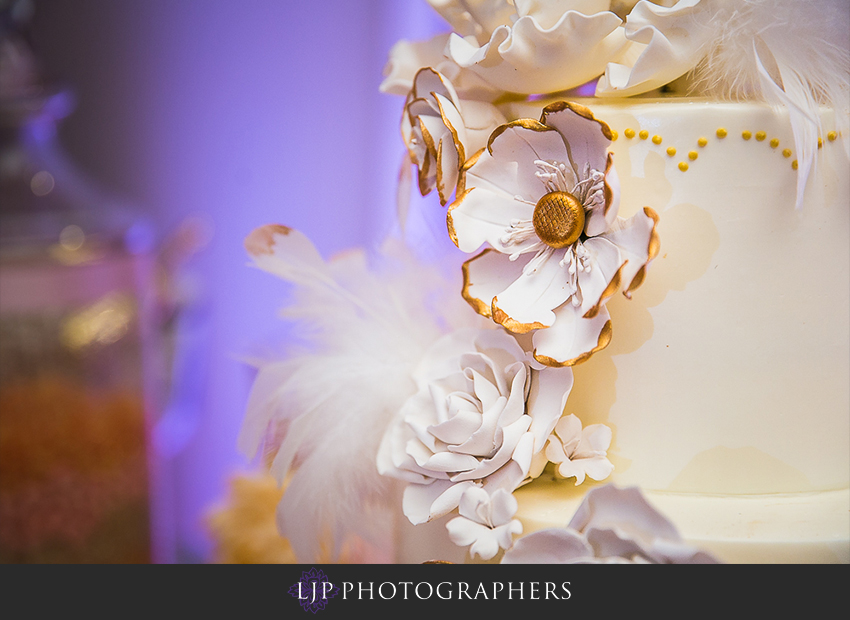 20-avenue-of-the-arts-wyndham-hotel-wedding-photographer