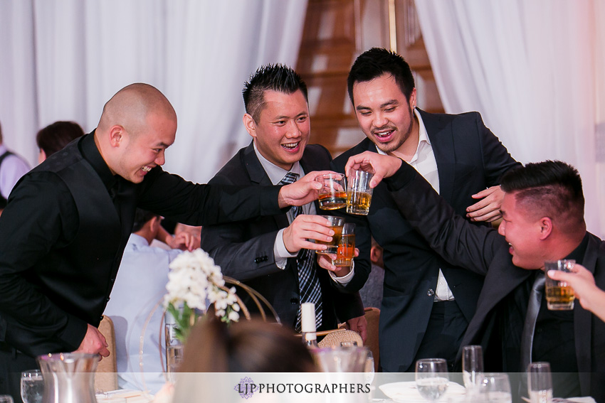 21-avenue-of-the-arts-wyndham-hotel-wedding-photographer