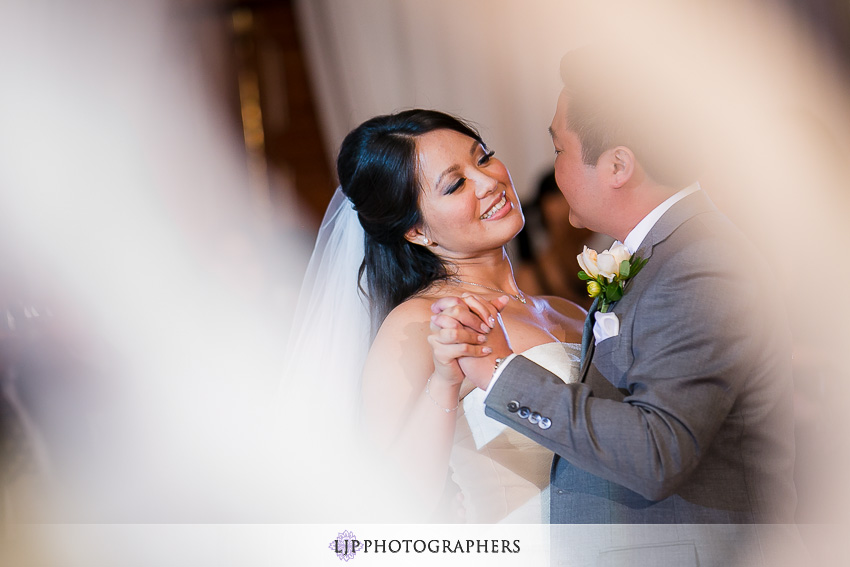 24-avenue-of-the-arts-wyndham-hotel-wedding-photographer