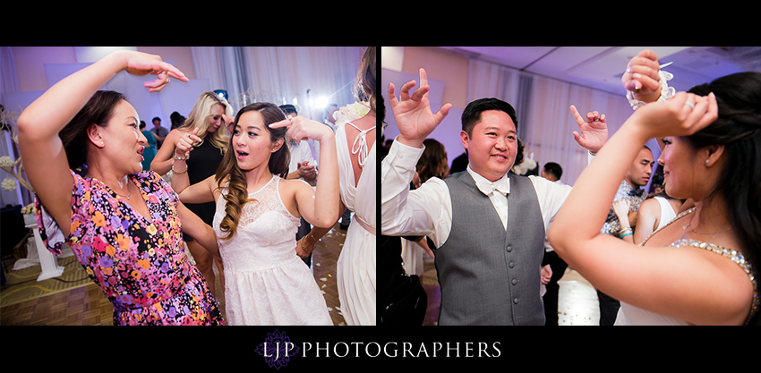 30-avenue-of-the-arts-wyndham-hotel-wedding-photographer