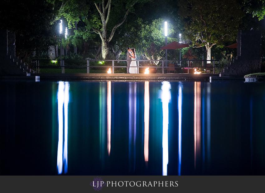 33-avenue-of-the-arts-wyndham-hotel-wedding-photographer