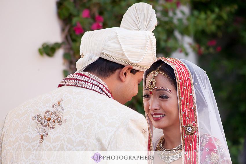 06-hummingbird-nest-ranch-indian-wedding-photographer