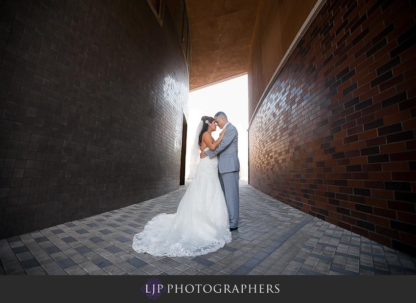 13-hilton-costa-mesa-wedding-photographer