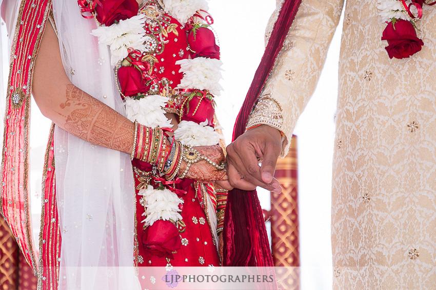 17-hummingbird-nest-ranch-indian-wedding-photographer