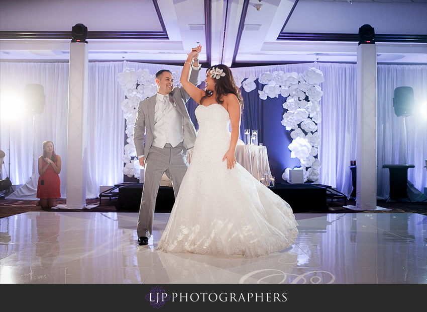 28-hilton-costa-mesa-wedding-photographer