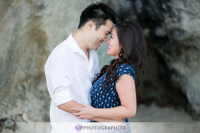 01-fun-romantic-beautiful-engagement-photos