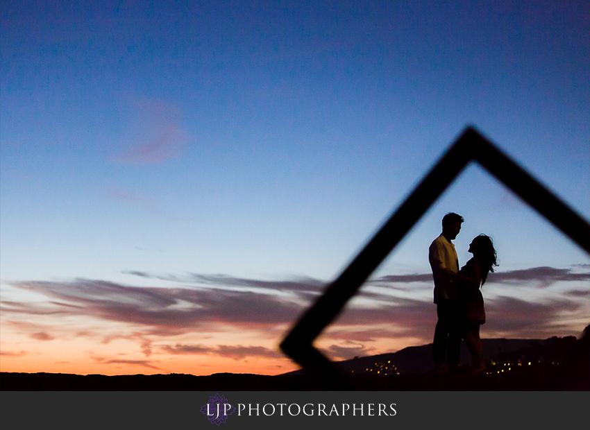 08-fun-romantic-beautiful-engagement-photos