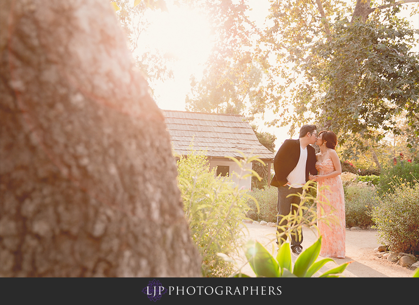 10-cute-orange-county-engagement-photos