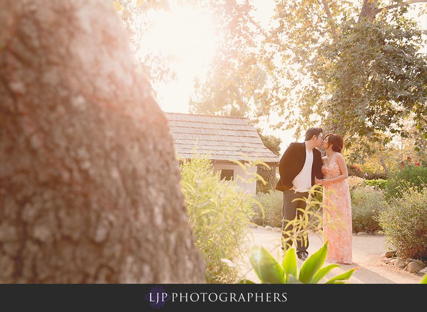 10-cute-orange-county-engagement-photos