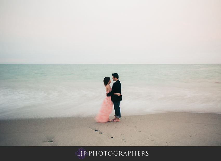 18-cute-orange-county-engagement-photos