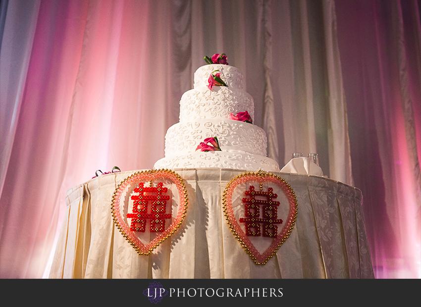 26-hilton-universal-los-angeles-wedding-photos