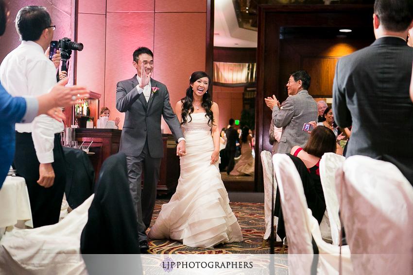 27-hilton-universal-los-angeles-wedding-photos
