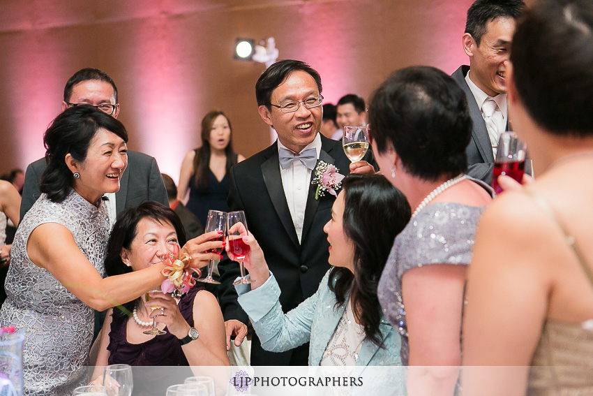 36-hilton-universal-los-angeles-wedding-photos