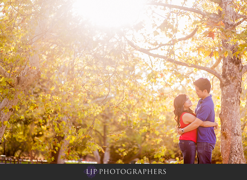 01-cute-irvine-engagement-photographer