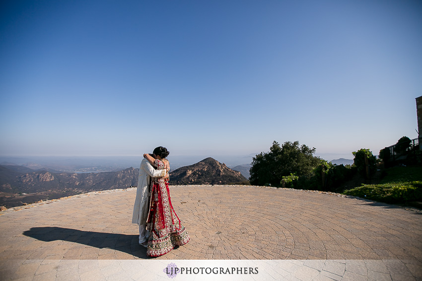04-malibu-rocky-oaks-estate-wedding-photographer