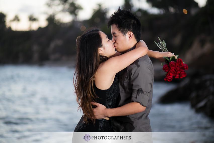 06-beautiful-laguna-beach-engagement-photos