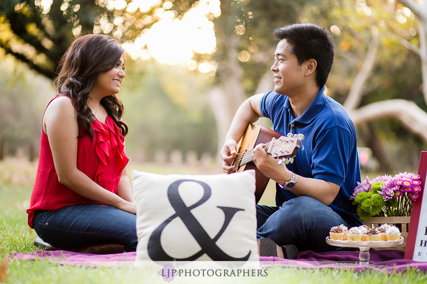 07-cute-irvine-engagement-photographer