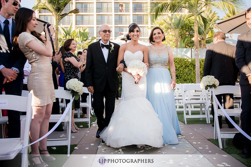 14-newport-beach-marriott-wedding-photographer