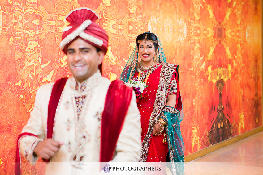 15-hilton-costa-mesa-indian-wedding-photographer