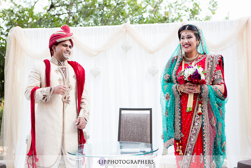 22-hilton-costa-mesa-indian-wedding-photographer