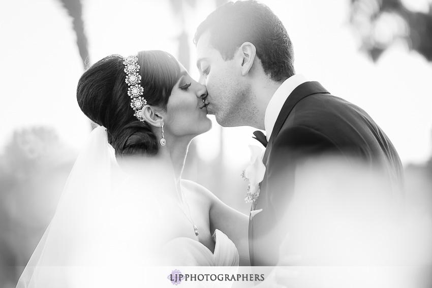24-newport-beach-marriott-wedding-photographer