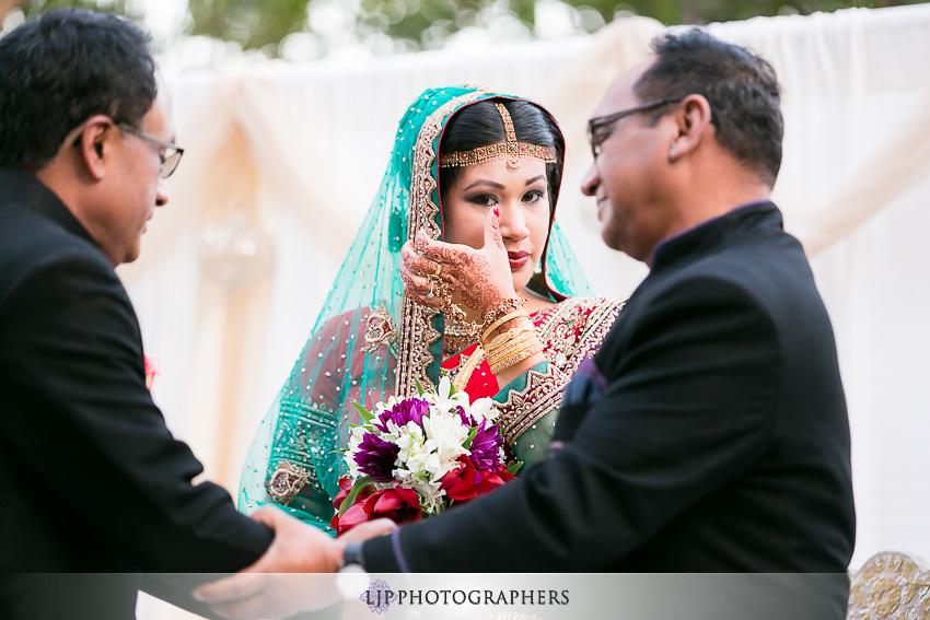 26-hilton-costa-mesa-indian-wedding-photographer