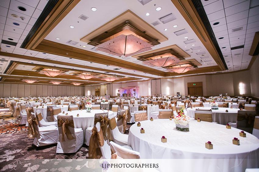 29-hilton-costa-mesa-indian-wedding-photographer