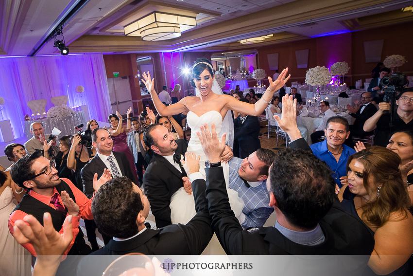 32-newport-beach-marriott-wedding-photographer