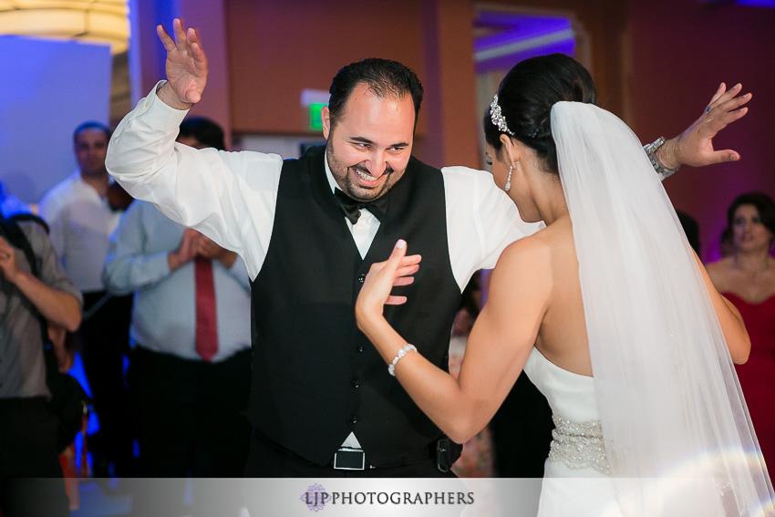 33-newport-beach-marriott-wedding-photographer
