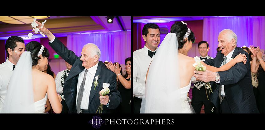 38-newport-beach-marriott-wedding-photographer