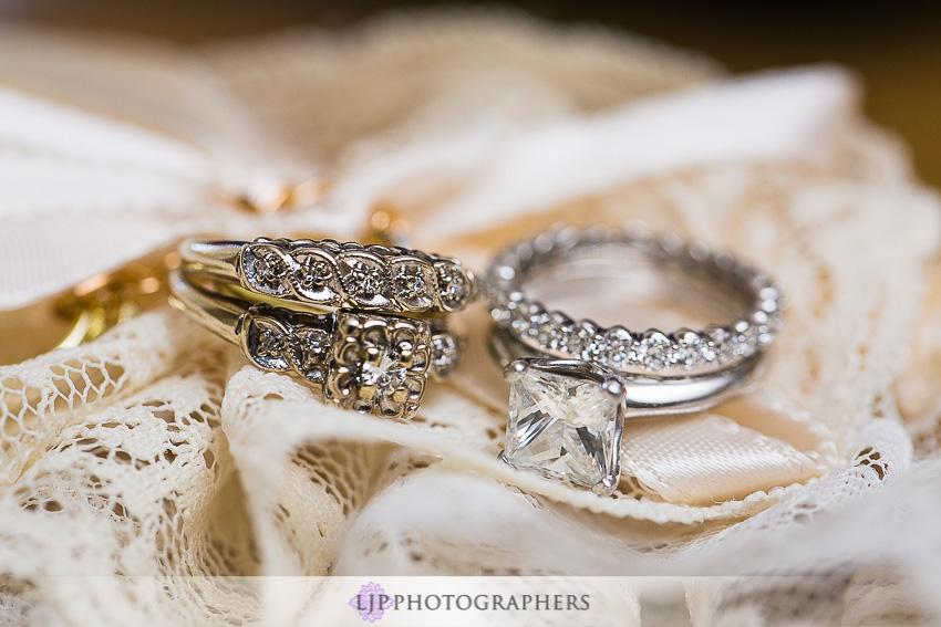 01-crystal-cove-newport-beach-wedding-photographer-getting-ready-photos