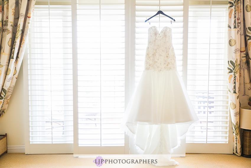 02-crystal-cove-newport-beach-wedding-photographer-getting-ready-photos