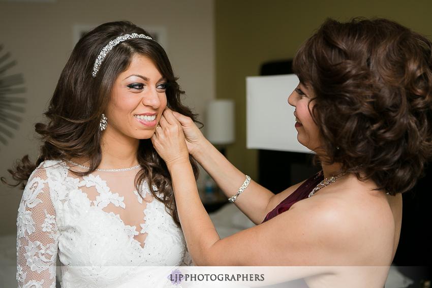 03-los-angeles-getting-ready-wedding-photos