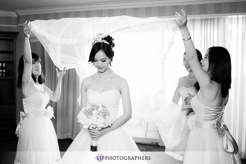 04-beautiful-hyatt-regency-huntington-beach-orange-county-wedding-photographer