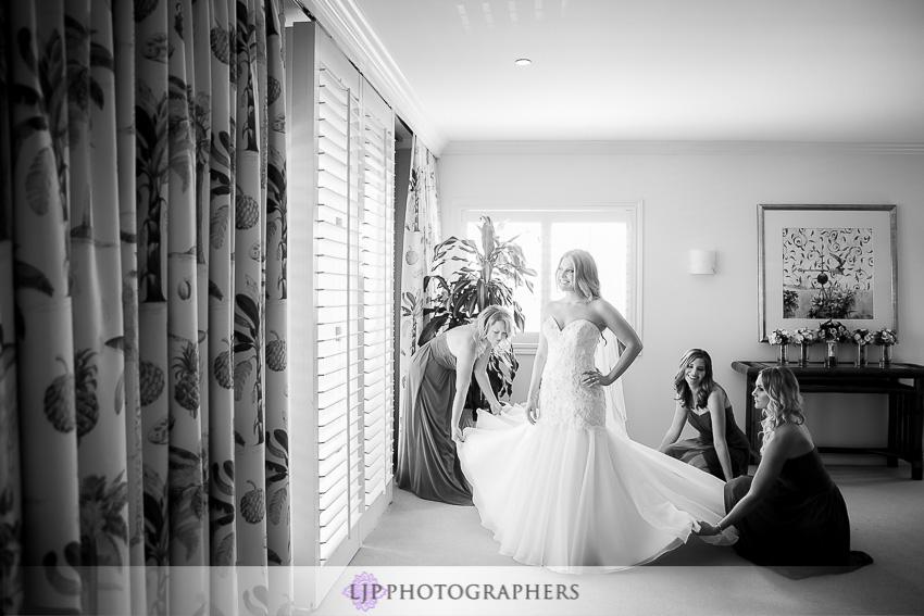 04-crystal-cove-newport-beach-wedding-photographer-getting-ready-photos