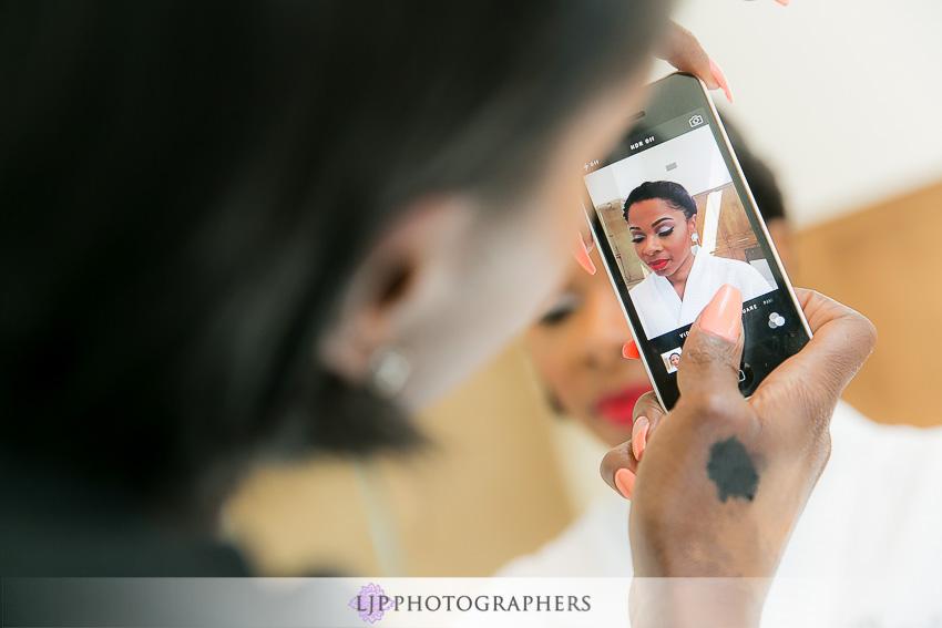 04-malibu-wedding-photographer-getting-ready-photos