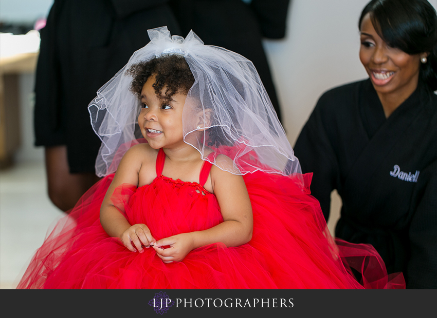 05-malibu-wedding-photographer-getting-ready-photos