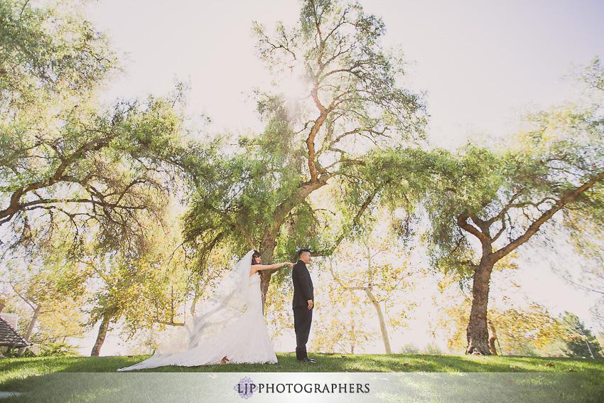 06-summit-house-fullerton-wedding-photographer-first-look-photos