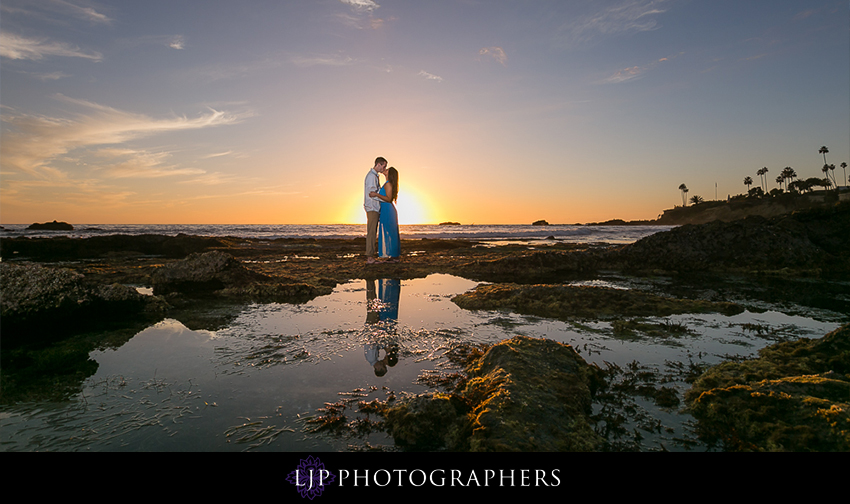 07-beautiful-fall-beach-engagement-photograher