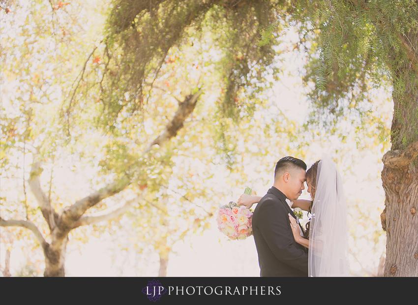 08-summit-house-fullerton-wedding-photographer-first-look-photos